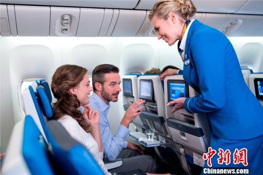 荷兰航空开航福建首条洲际航线 上座率达八成五