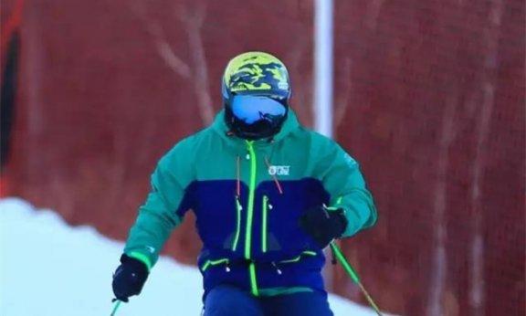 王晓飞滑雪教学——EASY SKI(19)双板综合运用【4】小回转