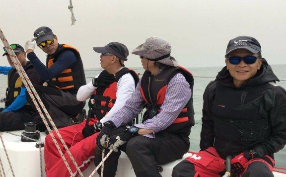 航旅网队参加秦皇岛帆船赛