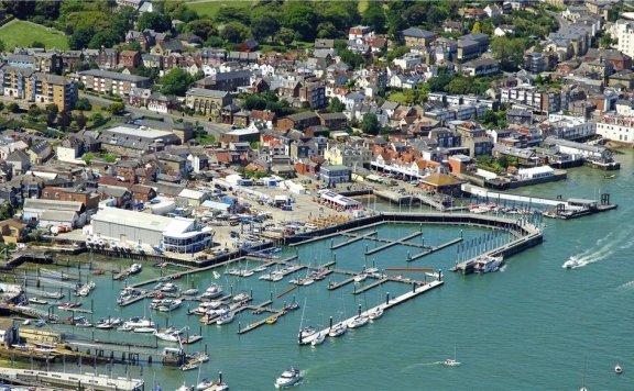 英国游艇码头分布第一篇:航海圣地怀特岛