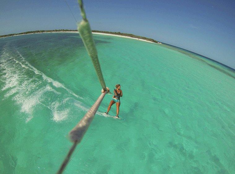委内瑞拉 Los Roques – 风筝冲浪者的天堂